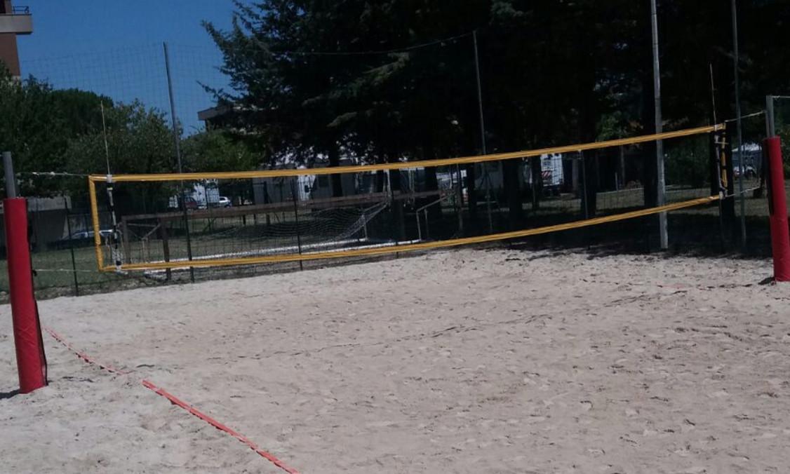 San severino taglio del nastro per il campo da beach volley del