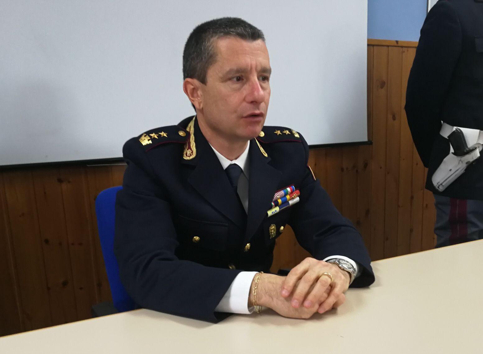 Polizia stradale presentato il nuovo vice questore di for Questura di polizia