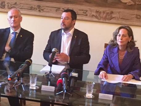 Salvini: da Spagna due Ong verso Libia, connivenza con scafisti