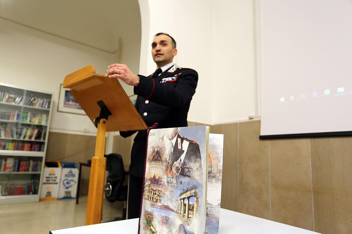 Calendario Storico Carabinieri 2020.Macerata Presentato Il Calendario Storico E L Agenda 2019