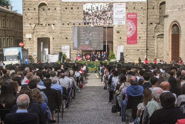 Festa del laureato unimc anno 2016 Macerata_6