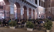 Macerata, si apre il primo week-end della fase 2: il centro si rianima sotto l'occhio attento dei carabinieri (FOTO)