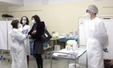 Marche, dal primo marzo il via ai vaccini per il personale scolastico e universitario under 55