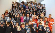 """""""Ci vorrebbe tanta colla"""": presentato a Pieve Torina il libro che spiega il sisma ai bambini"""