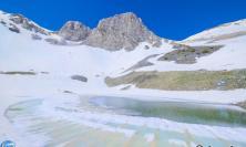 Si scioglie la neve: il Lago nei Sibillini si è riformato FOTO