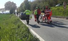 Passo di Treia, auto tampona scooter: un quindicenne soccorso con l'eliambulanza