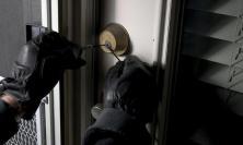 Ladri a segno a Civitanova: rubata un'auto e preso di mira un appartamento