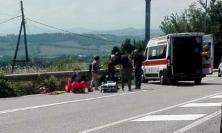 Macerata, scontro in via Roma: motociclista finisce in ospedale
