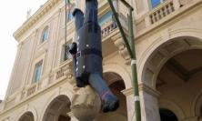 """Gli Antifa alla minoranza consiliare di Macerata: """"I fantocci siete voi"""""""