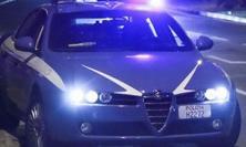 Macerata: ubriaca massacra di botte l'anziano padre. Salvato dall'intervento della polizia, arrestata la donna
