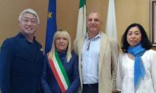L'imprenditore Toshiyuki Takanami, patrono di Quals, in visita a San Severino