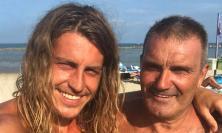 Il vincitore del Grande Fratello aficionados di Civitanova, ieri in spiaggia al Golden Beach