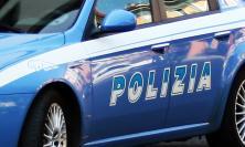 Ubriaco interrompe una messa, insulta gli agenti e scappa: denunciato un 50enne