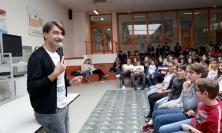 """Macerata, i ragazzi dell'IIS """"Bramante-Pannaggi"""" incontrano Piero Massimo Macchini"""