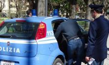 Sorpreso con 15 involucri di cocaina in casa: arrestato giovane buttafuori