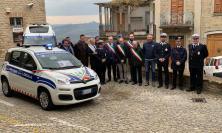 L'Istituto diplomatico internazionale ha donato un'autovettura alla polizia locale dell'Unione Montana dei Monti Azzurri