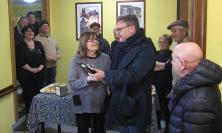 Montecosaro, festa al circolo Acli per salutare il congedo della storica barista Giovanna Bracalente (FOTO)