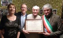 Tolentino, festeggiamenti per i 100 anni dell'insegnante Ezio Paolucci