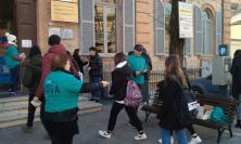 Distribuiti opuscoli a Tolentino per sensibilizzare i giovani sull'uso di sostanze stupefacenti