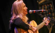 Grazia Di Michele ha incantato nella cerimonia di apertura di Musicultura (FOTO)