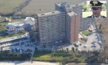 In corso maxi operazione antidroga dei Carabinieri all'Hotel House (VIDEO e FOTO)