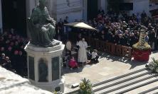 """La preghiera di Papa Francesco a Loreto: """"La Santa Casa è la casa dei giovani, delle famiglie e dei malati"""" (FOTO e VIDEO)"""