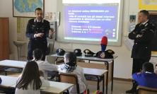 Appignano, i carabinieri incontrano gli alunni dell'Istituto Comprensivo Luca Della Robbia