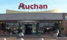 Conad rileva i supermercati Auchan lanciando la sfida alla Coop
