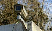 Sistemi di videosorveglianza con riprese del pubblico transito: quando si rischia la violenza privata
