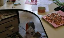 Macerata, ladri entrano in Comune e rubano pochi spiccioli (FOTO)