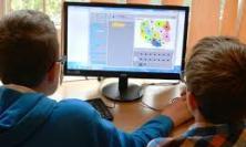 Italgas, consegnati nelle Marche oltre 800 computer alle scuole colpite dal terremoto