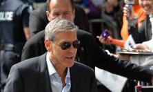 Beffano anche George Clooney: arrestata in Thailandia una coppia di latitanti: lei è di Ancona