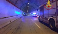 Principio di incendio per un camion in Galleria Varano: scatta l'allarme in superstrada