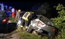 Tolentino, scontro tra due auto: in tre al pronto soccorso (FOTO)