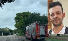 Trovato senza vita Cristian Genova: cadavere rinvenuto lungo le sponde del fiume Chienti