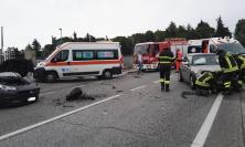 Macerata, scontro tra due auto in via dei Velini (FOTO e VIDEO)