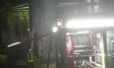 """Tolentino, incendio nell'azienda """"Tre Mori"""": in fiamme un silo"""