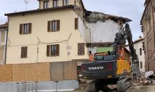 Camerino, abbattuto il palazzo diventato simbolo del sisma 2016
