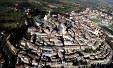 Potenza Picena: la famiglia Menghini dona al Comune un immobile in Piazza Matteotti, ospiterà la biblioteca comunale