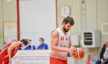 Basket, Macerata piega il Picchio Civitanova nel derby e mantiene la vetta della classifica