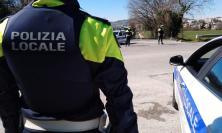 Da Civitanova a Porto Potenza Picena per lavare l'auto: scatta la multa da 400 euro