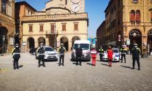 Tolentino, il cuore degli agenti della Polizia Locale: compensi straordinari donati alla Croce Rossa