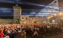 """Porto Recanati, ripartono gli spettacoli all' """"Arena Gigli"""": il programma completo"""