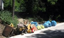 """""""Macerata Cammina nel Verde"""", i ragazzi dell'Oratorio salesiano ripuliscono dai rifiuti due aree"""
