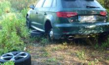 Civitanova - Va a cinghiali e trova un'Audi rubata nel bosco
