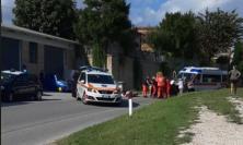 Petriolo, accusa un malore e si ribalta con l'Apecar: soccorso un 74enne