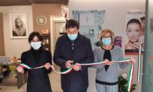 Castelraimondo, più forte dell'emergenza: la giovane Gloria inaugura il suo centro benessere