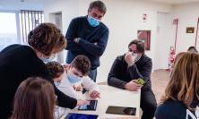 Una biblioteca digitale per la scuola di Sarnano: il dono di Andrea Bocelli Foundation e Chopard