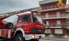 Civitanova, contatori a fuoco in un condominio: evacuate tre famiglie