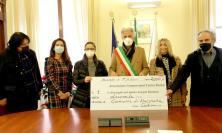 Macerata dal cuore sempre più grande: i commercianti del centro donano 2mila euro alla città (VIDEO e FOTO)